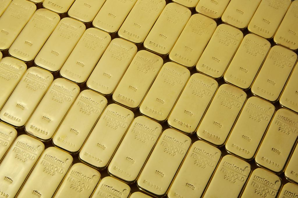 kultaharkot levynä gold bars in a row